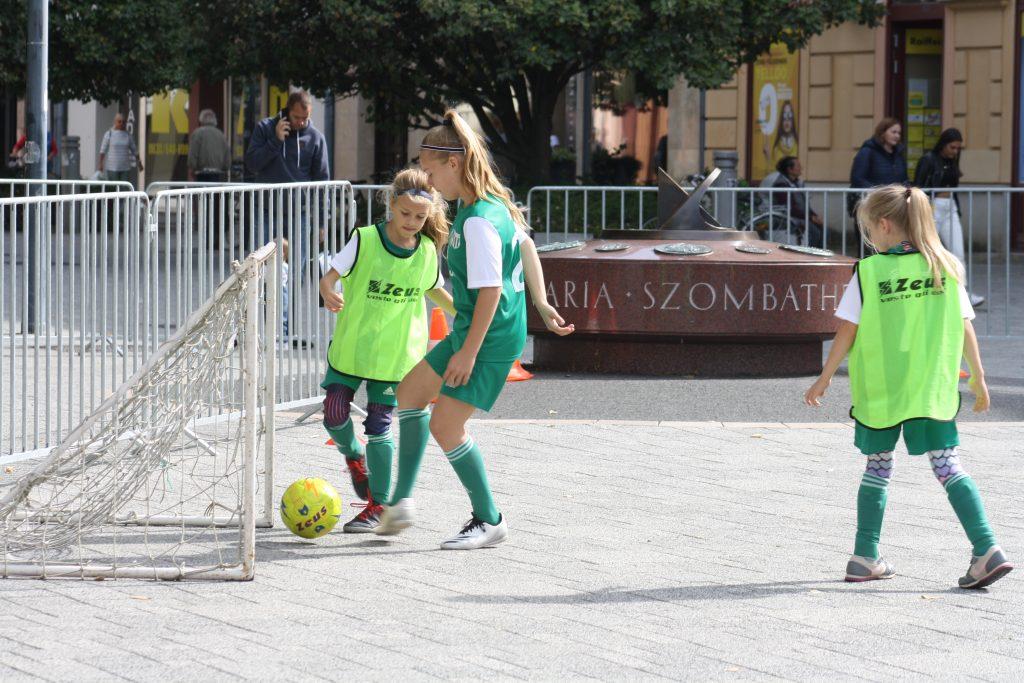 Leányaink képviselték a labdarúgást a Városi Sportnapon